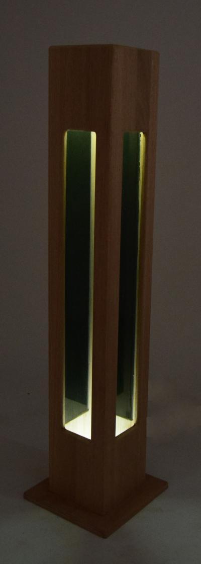 Lampa drewniana, podłogowa, ozdobna, meranti